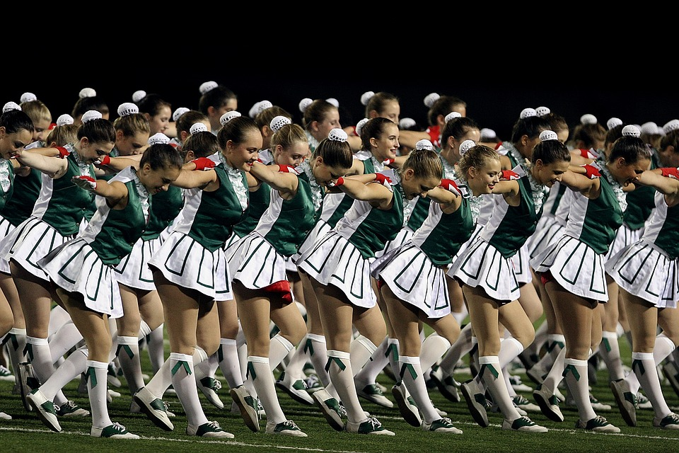 this image shows cheerleaders in high school